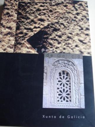 A pedra de Galicia / La piedra de Galicia. Libro + CD-ROM. Completo catálogo de todos os tipos de pedra que hai en Galicia, con fotografías a toda páxina e descrición de cada modelo. Textos en galego e español - Ver os detalles do produto